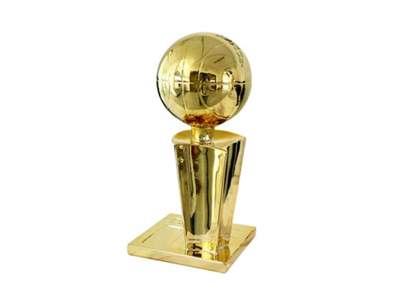篮球赛冠军奖杯